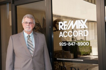 Remax broker owner 2015